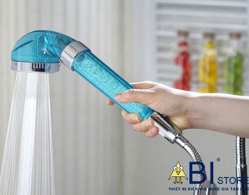 vòi hoa sen tăng áp có lọc nước nano màu xanh