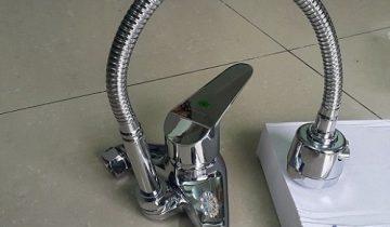 vòi rửa bát cần mềm nóng lạnh cắm tường taroma